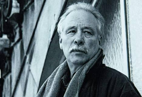 La vida breve. El escritor alemán murió a los 57 años, en el auge de su carrera y en un accidente automovilístico. El núcleo duro de su obra lo conforman apenas cinco libros, aunque se ha publicado todo lo que escribió.