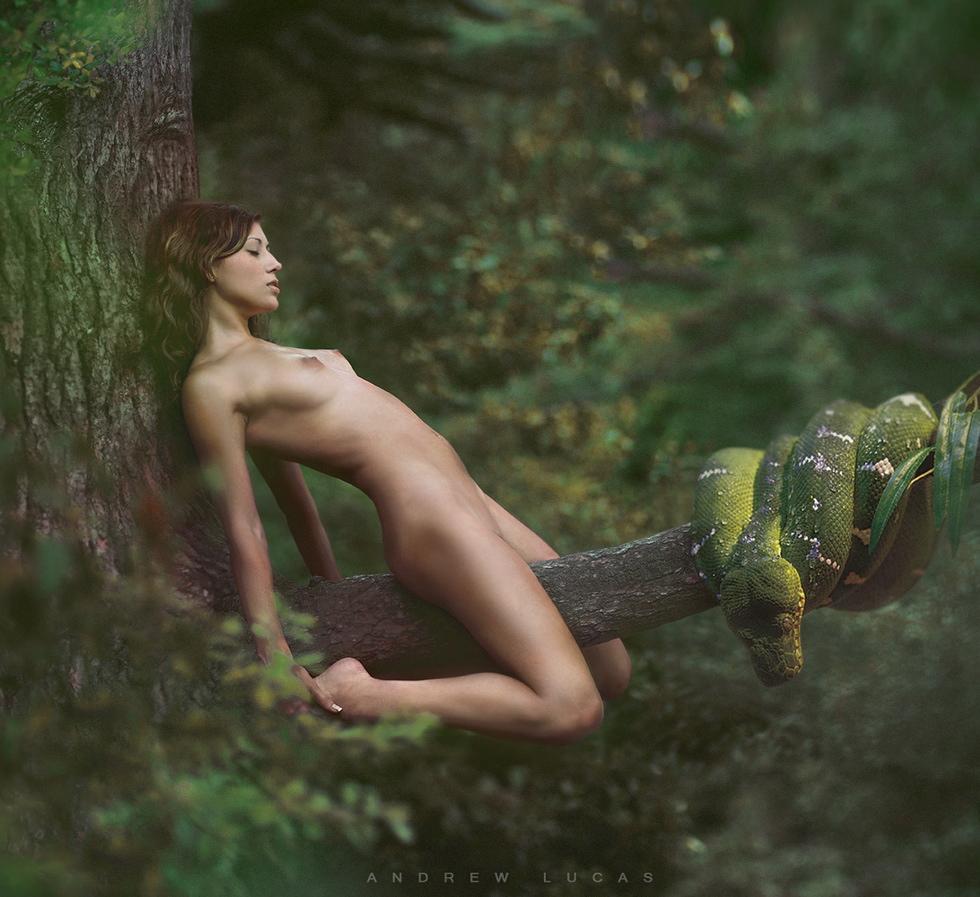 naked girl fucking tree