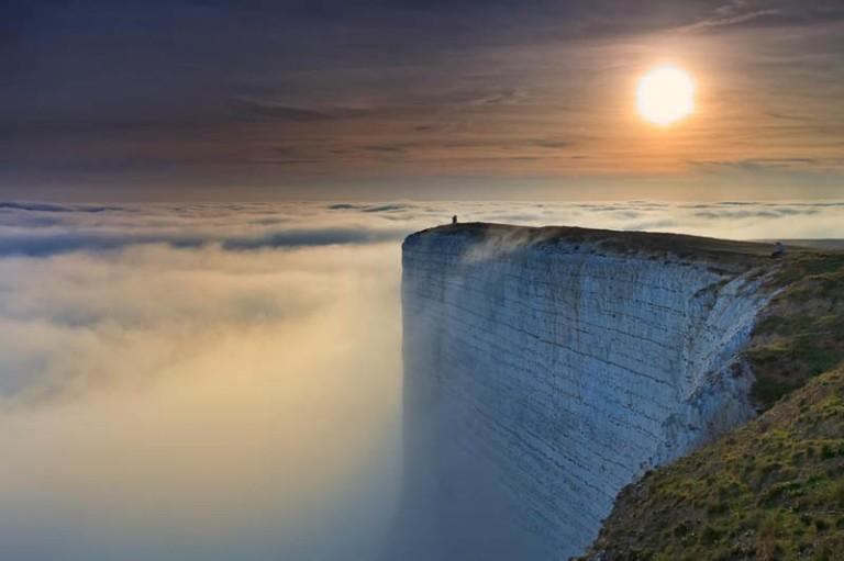 edge-of-the-world-beach-head-chalk-cliff-southern-england