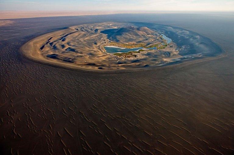 volcanic-crater-of-wau-al-namus-libya-aerial-from-above-george-steinmetz1
