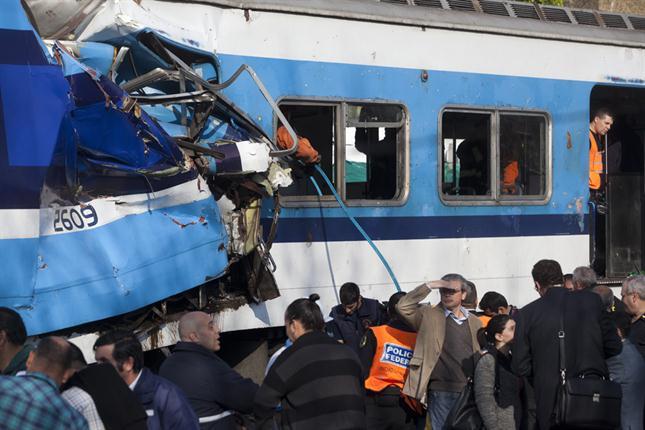choque-de-trenes-en-castelar-1724423h430